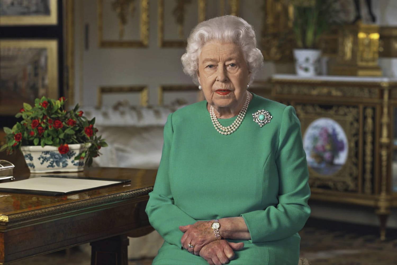 """La reine Elisabeth II a parlé: """"Des jours meilleurs viendront"""""""