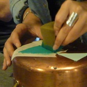 réalisation des peintures décoratives sur cuivre