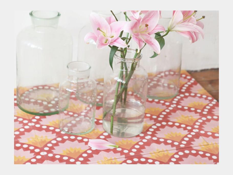 carreaux de ciment floral de petit pan on se tient carreaux de ciment journal des femmes. Black Bedroom Furniture Sets. Home Design Ideas
