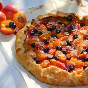 tarte rustique abricots amandes et bleuets (myrtilles)