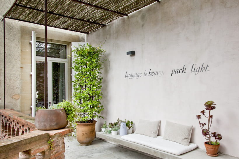 80pergolas au charme discret pour mettre sa terrasse à l'abri