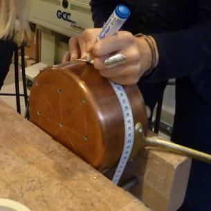 réalisation des trous des bords de la casserole