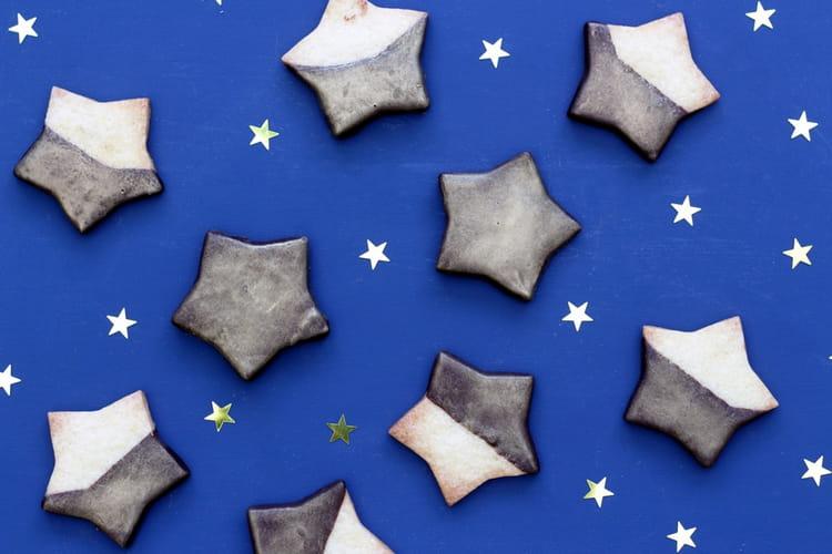 Biscuits sablés étoiles de Noël au chocolat noir