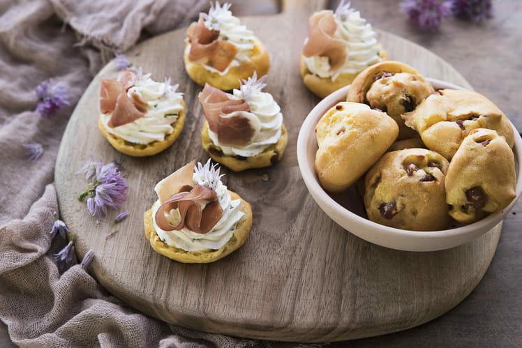Gougères fromagères au jambon cru Aoste et crème montée à la ricotta
