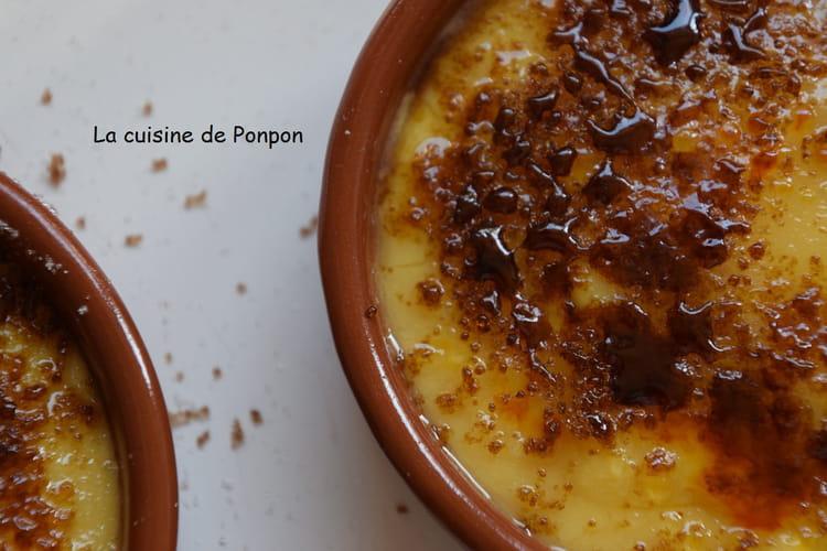 Crème catalane parfumée à la cannelle et au citron
