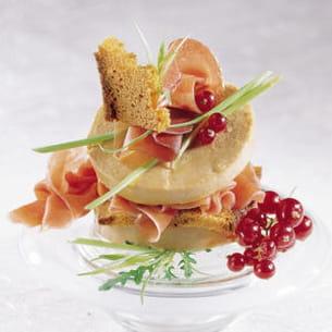 Millefeuille au foie gras et jambon cru - Comment cuisiner le foie gras cru ...