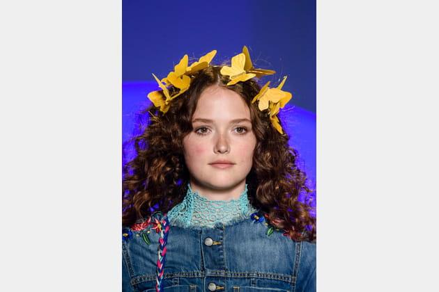 Les accessoires de tête filtres Snapchat du défilé Desigual