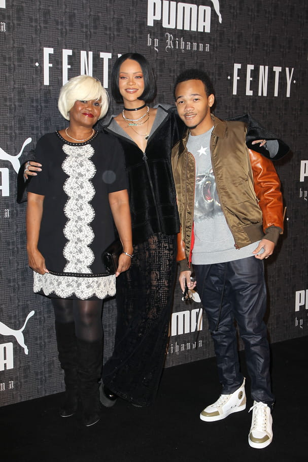 Rihanna, sa mère et son frère