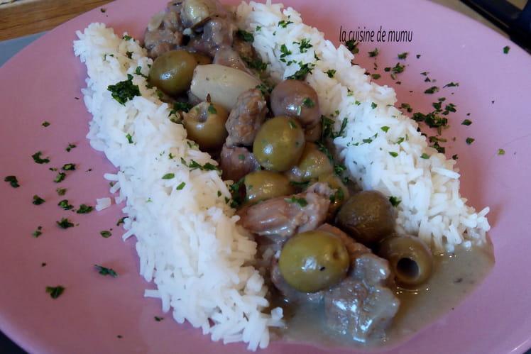 Fricassée de veau aux olives vertes