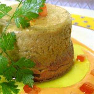 parfait de foies de volailles, sauce à la tomate.