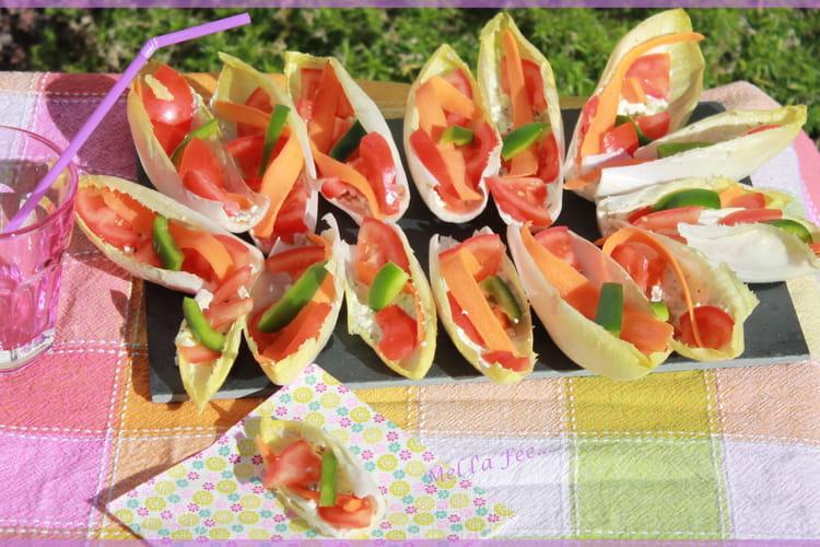 Barquettes d'endive tomate carotte feta