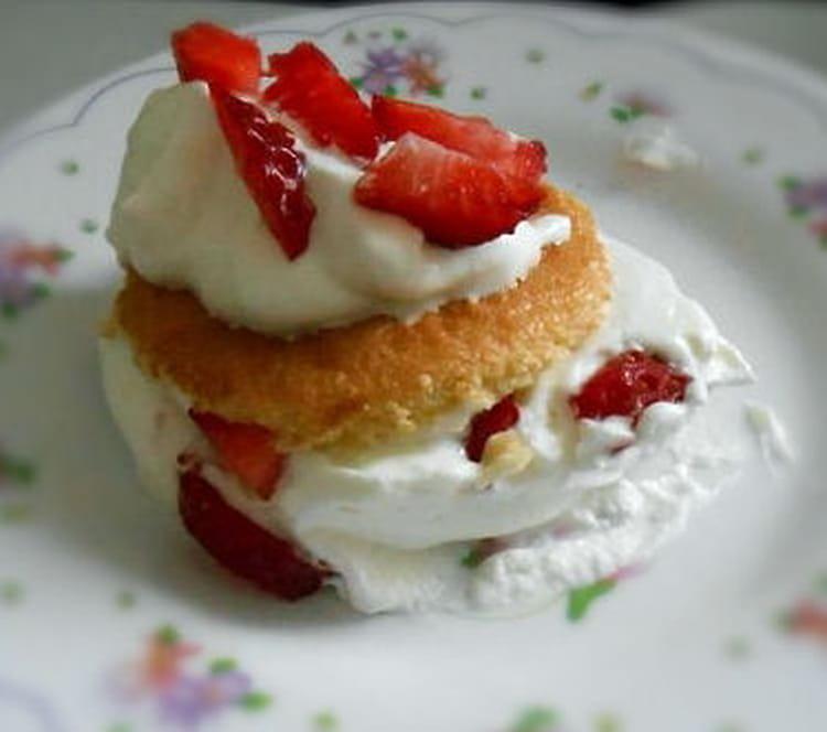 Recette de mini fraisier la recette facile - Recette facile a faire pour le gouter ...