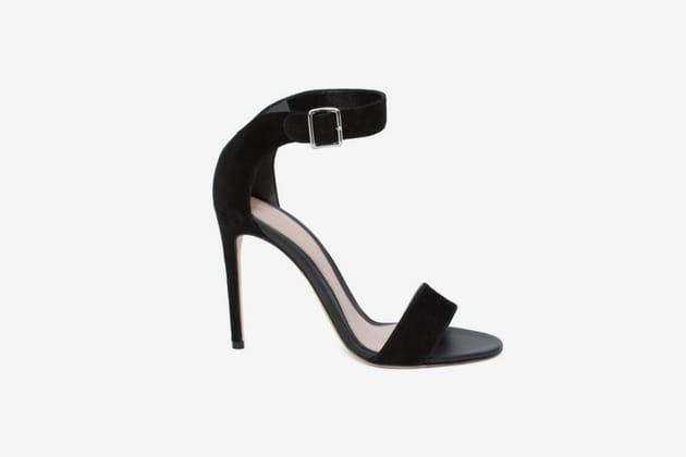 Sandales minimalistes d'Alexander McQueen