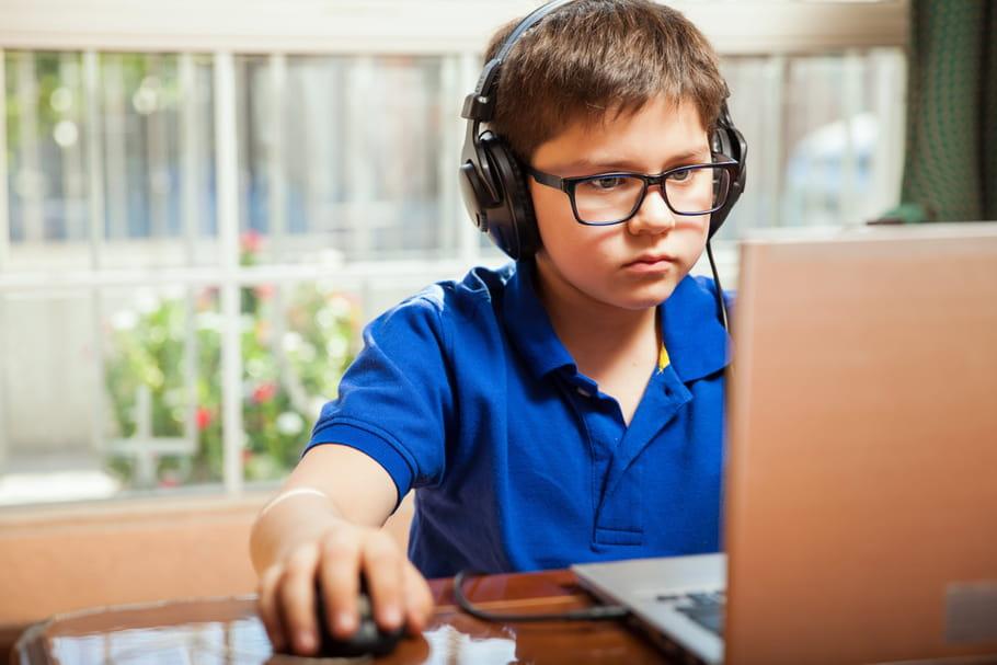 Enfants YouTubeurs: quelles limites faut-il poser?