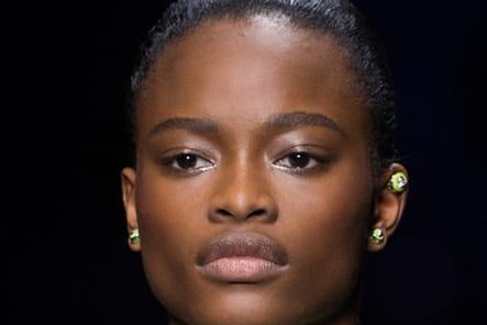 Versace (Close Up) - photo 39