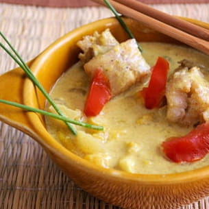 curry de poisson aux pêches jaunes