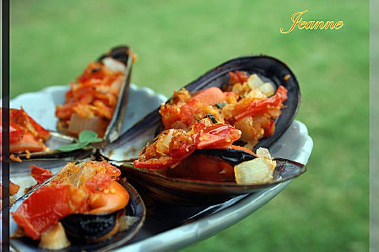 Moules farcies aux tomates, oignons et persil