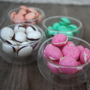 meringues en bonbons, façon mini-macarons