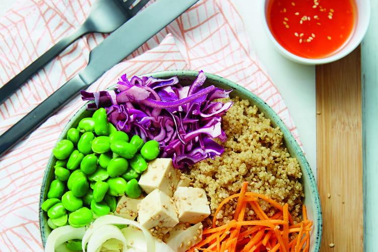 Buddha bowl aux endives, sauce épicée