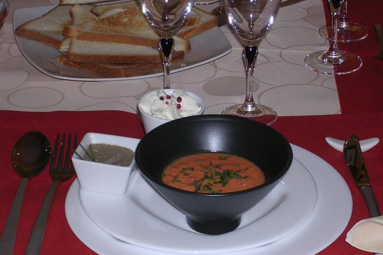 Gaspacho de tomates et chantilly salée