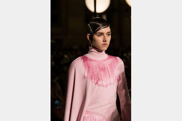 Givenchy (Close Up) - photo 60