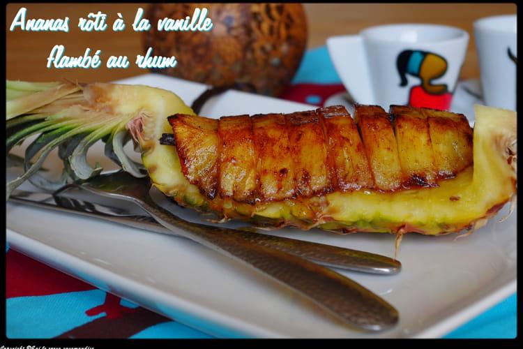 Ananas rôti à la vanille flambé au rhum