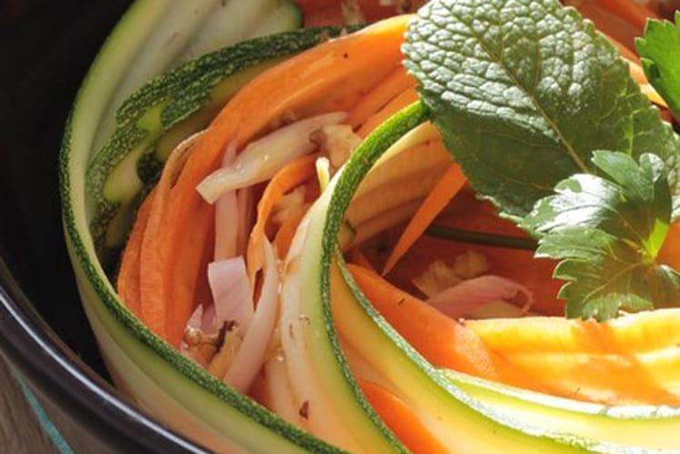 Salade de courgette, carotte et noix