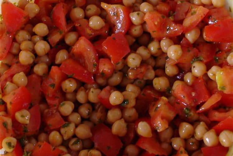 Salade de pois chiches et de tomates