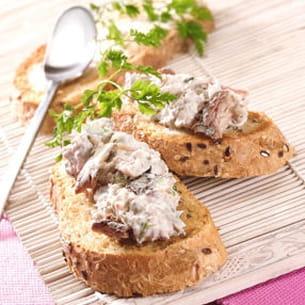toast de rillettes de sardines, basilic et citron