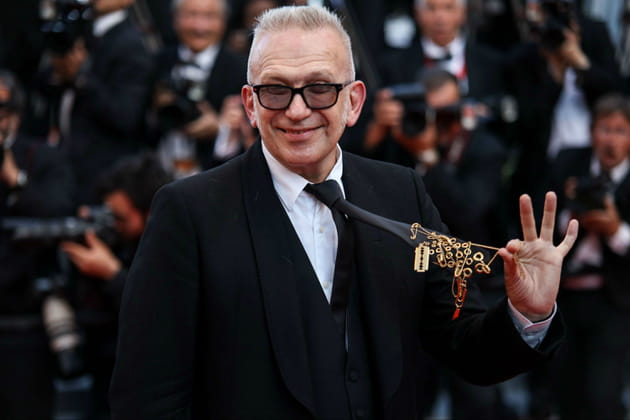 Jean Paul Gaultier, fier d'exhiber sa cravate