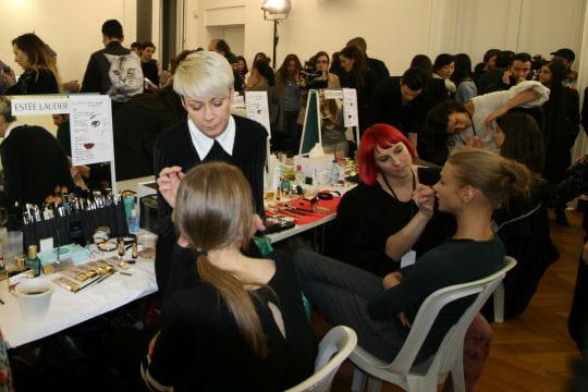 Fashion week  Paris: les coulisses beauté du défilé Anthony Vaccarello
