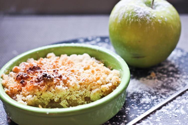 Recette De Crumble Aux Pommes Et Caramel Au Beurre Sale La Recette