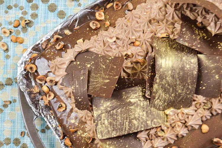 Entremet chocolat, praliné et noisettes : le Noisettine