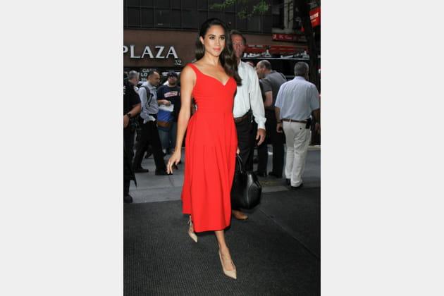 Meghan Markle en robe rouge sexy