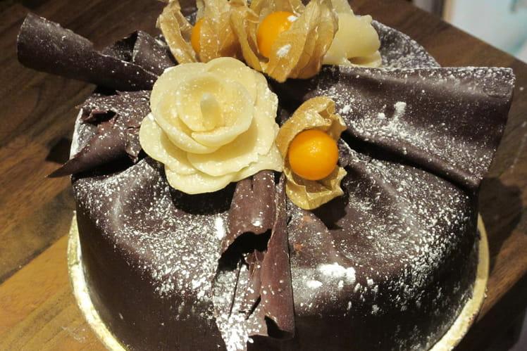 Entremet mousse chocolat-meringue