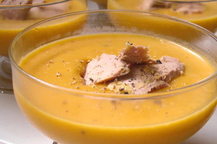 Crème de courge aux quatre-épices et au foie gras