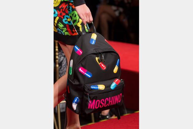 Moschino (Close Up) - photo 53