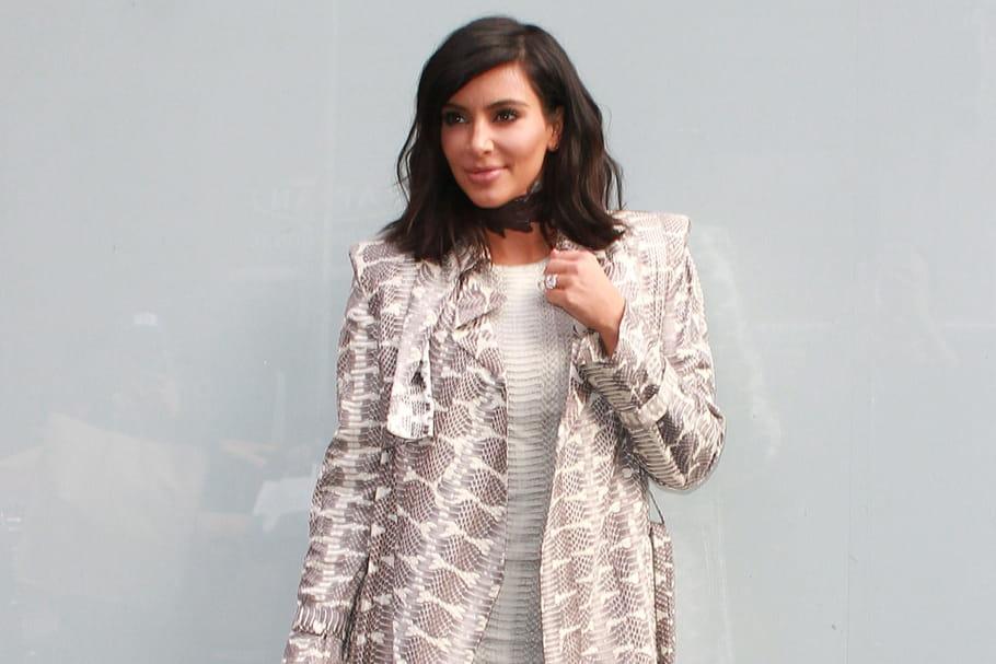 Le look people du jour : Kim Kardashian, effet serpent