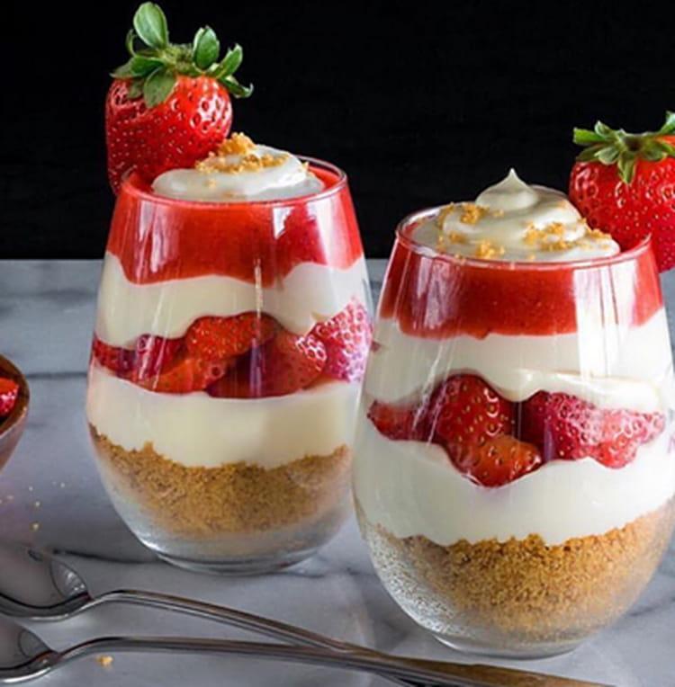 Idée De Dessert Facile.Parfait à La Fraise