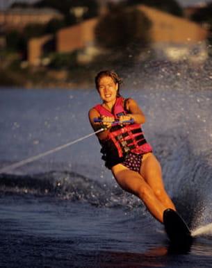 amatrices de sensations, découvrez le ski nautique