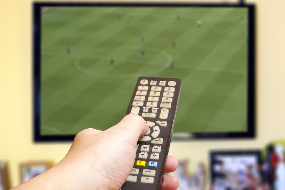 Regarder le sport à la TV rend sexy