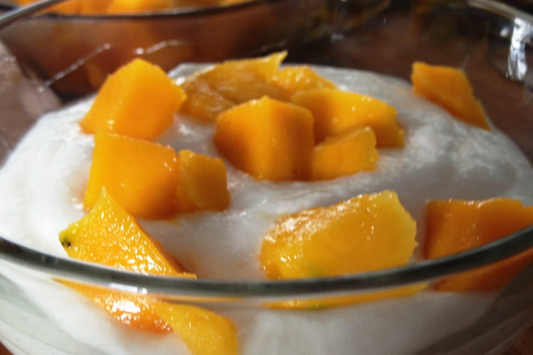 Mousse de fromage blanc à la mangue, coeur passion