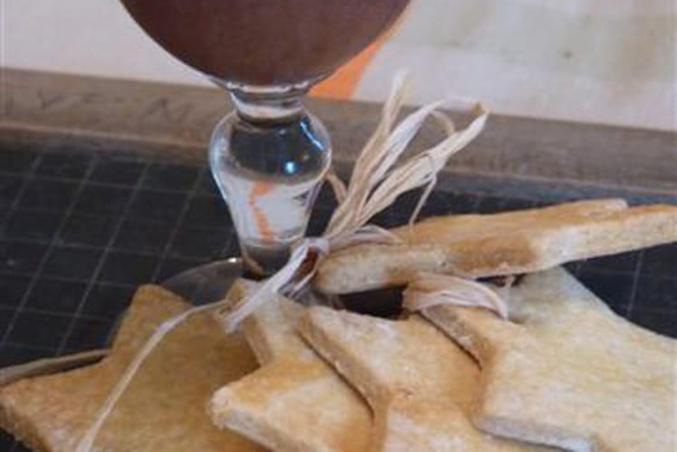 Verrines de chocolat au lait et son crémeux de pistache