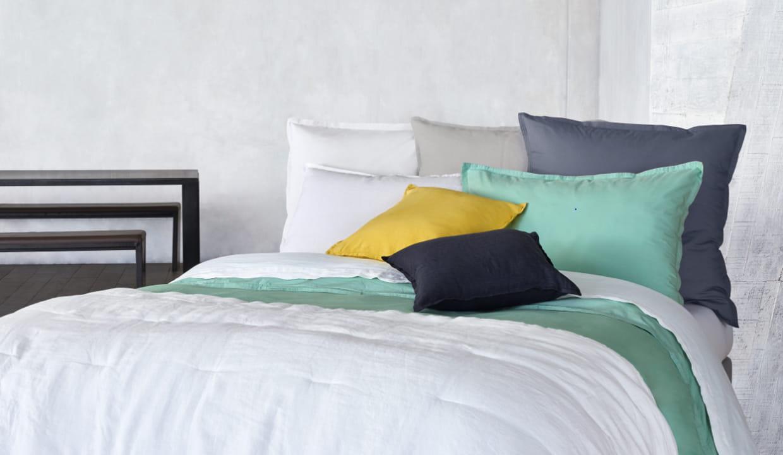 linge de lit en lin et satin de coton du printemps paris. Black Bedroom Furniture Sets. Home Design Ideas