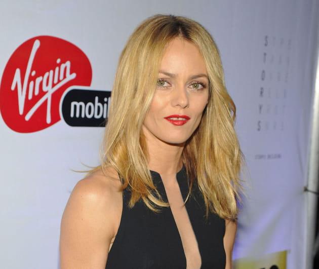 Vanessa Paradis: blonde