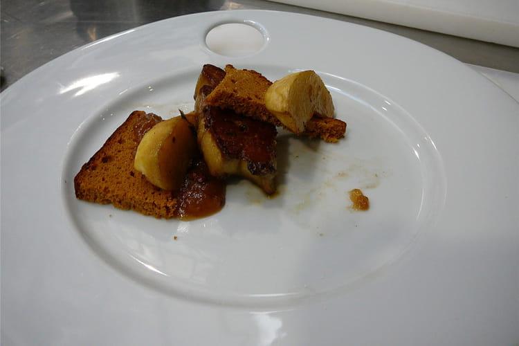 Millefeuille foie gras poêlé et pain d'épices