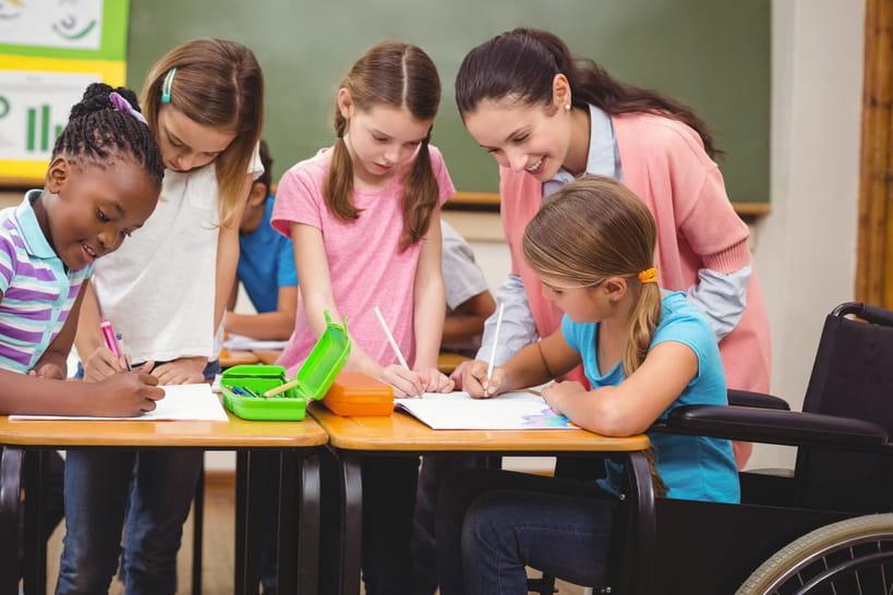 Ecole et handicap: comment mieux accompagner les élèves?
