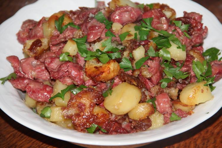 Poêlée de pommes de terre aux gésiers confits