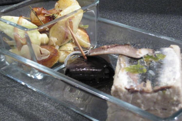 Papeton d'aubergines et sardines, pannequet noir