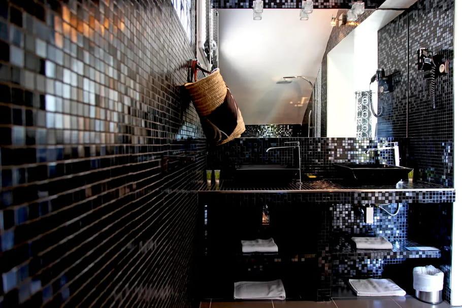 Salle de bains noire:  comment en réussir la déco?